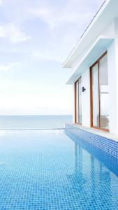 The swimming pool at or close to Montigo Resort Nongsa