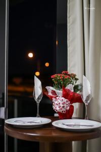 Um restaurante ou outro lugar para comer em Trevo Park Hotel