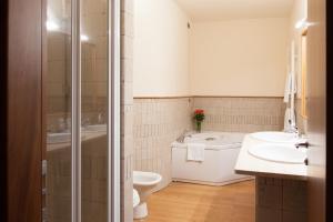 A bathroom at Hotel Del Parco