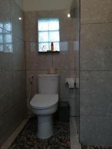 Salle de bains dans l'établissement Shiva House