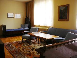 Ein Sitzbereich in der Unterkunft Hotel Garni - Appartements Fuksas