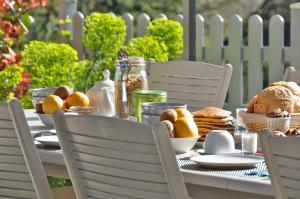Options de petit-déjeuner proposées aux clients de l'établissement La Source