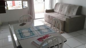 A seating area at Apartamento AV CPA