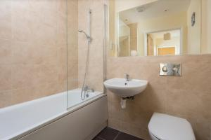 A bathroom at Golden Heights Apartments