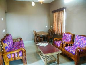 A seating area at Spring Gardens homestay