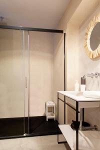 A bathroom at Welldone Metropol