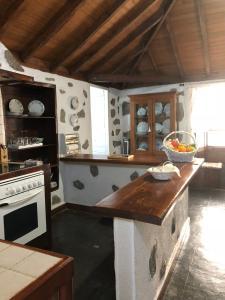 A kitchen or kitchenette at Casa Rural Macrina