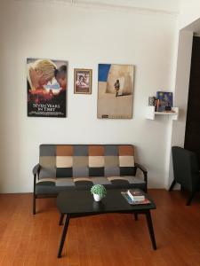 พื้นที่นั่งเล่นของ F Plus F Hostel