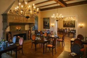A restaurant or other place to eat at Vienna House Easy Castrop-Rauxel
