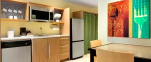 A kitchen or kitchenette at Home2 Suites by Hilton Saratoga Malta