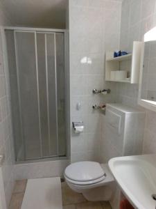 Ein Badezimmer in der Unterkunft Haus Bergland