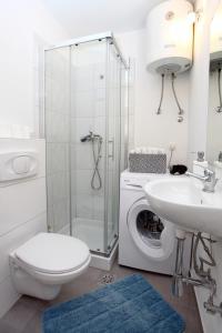 Un baño de Apartma Mery