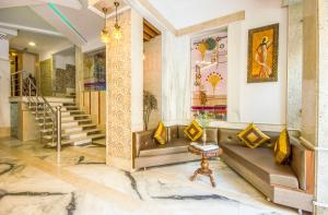 The lobby or reception area at Treebo Trend Natraj Yes Please