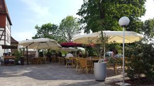 A restaurant or other place to eat at Hotel ELBRIVERA Alt Prester