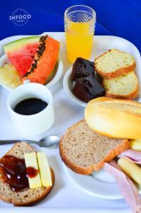 Opções de café da manhã disponíveis para hóspedes em Pousada Sossego