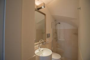 A bathroom at Villa Theile