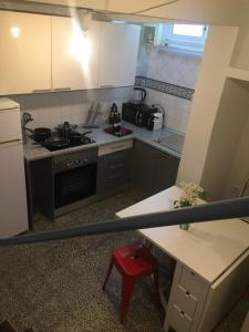 A kitchen or kitchenette at Casa da Joana!