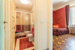 A bathroom at A Casa Di Virgilio