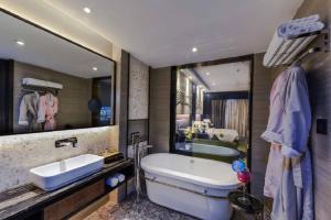 حمام في فندق بريرا الدمام
