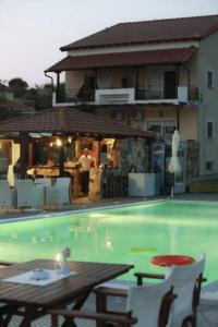 The swimming pool at or close to Agnanti