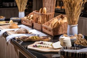 Breakfast options available to guests at Hermes Hotel