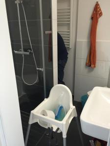 Ein Badezimmer in der Unterkunft Strandperle bei Binz inkl 2x Parkplatz