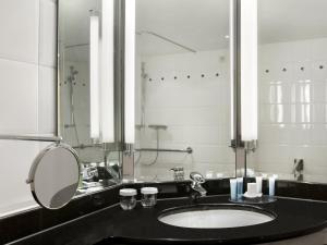 A bathroom at Hilton Berlin