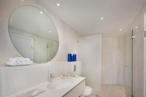 A bathroom at Hod Dead Sea by Herbert Samuel