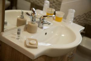 A bathroom at Room & Breakfast Le Magie