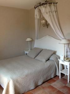 Un ou plusieurs lits dans un hébergement de l'établissement Mas des Carassins