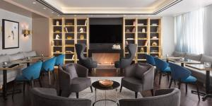 The lounge or bar area at InterContinental Sofia, an IHG Hotel