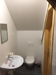 A bathroom at Vila Mangart