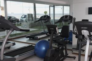 The fitness center and/or fitness facilities at Real Colonia Hotel & Suites