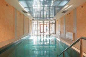 Bazén v ubytování Lazensky Hotel Smetana - Vysehrad nebo v jeho okolí