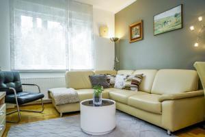 Posezení v ubytování Yellow Bike Apartment
