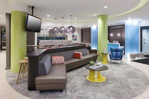 The lobby or reception area at SpringHill Suites by Marriott Orlando at SeaWorld