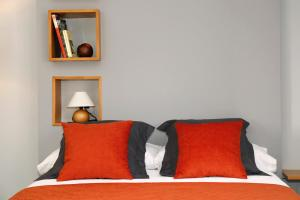 A bed or beds in a room at Galpon Boutique Aldea De Abaixo