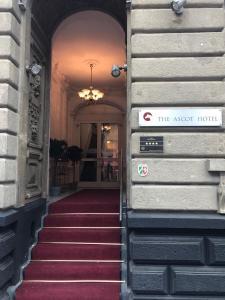 Fachada o entrada de The Ascot Hotel