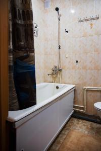 A bathroom at Apartment on Moskovskaya 4A