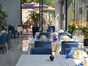 Boutique Hotel Mali Rajにあるレストランまたは飲食店