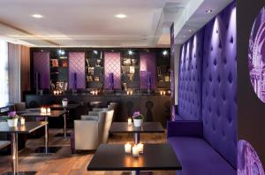 The lounge or bar area at Secret de Paris - Hotel & Spa