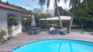 A piscina localizada em Matatia ou nos arredores