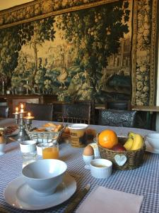 Breakfast options available to guests at Chateau de Bourgon