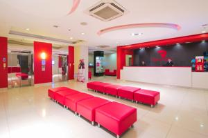 The lobby or reception area at Red Planet Cagayan De Oro - With Restrictions