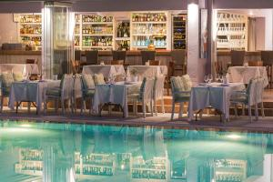 A restaurant or other place to eat at La Piscine Art Hotel, Philian Hotels and Resorts