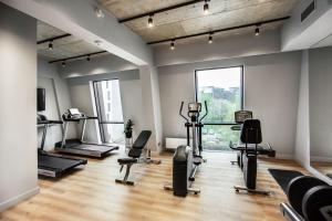 The fitness center and/or fitness facilities at Courtyard by Marriott Vilnius City Center
