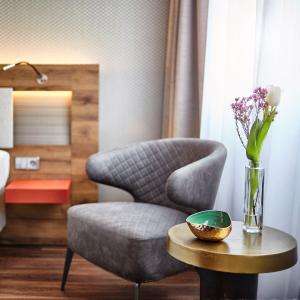 A seating area at Hotel City Krone