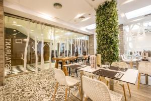 Un restaurante o sitio para comer en Regente Aragón Gastronómico