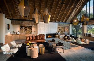 Restaurant ou autre lieu de restauration dans l'établissement Lion Sands River Lodge
