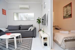 A bed or beds in a room at Apartment Populare